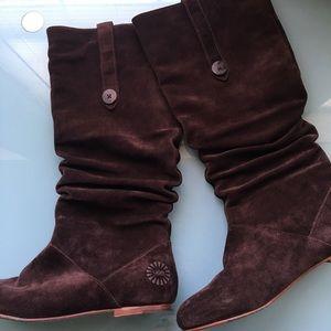 UGG Highkoo II Dark Brown Suede Pull On Boots